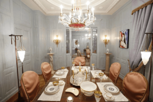 luxury_villa_zurich_dining_room_with_chandelier